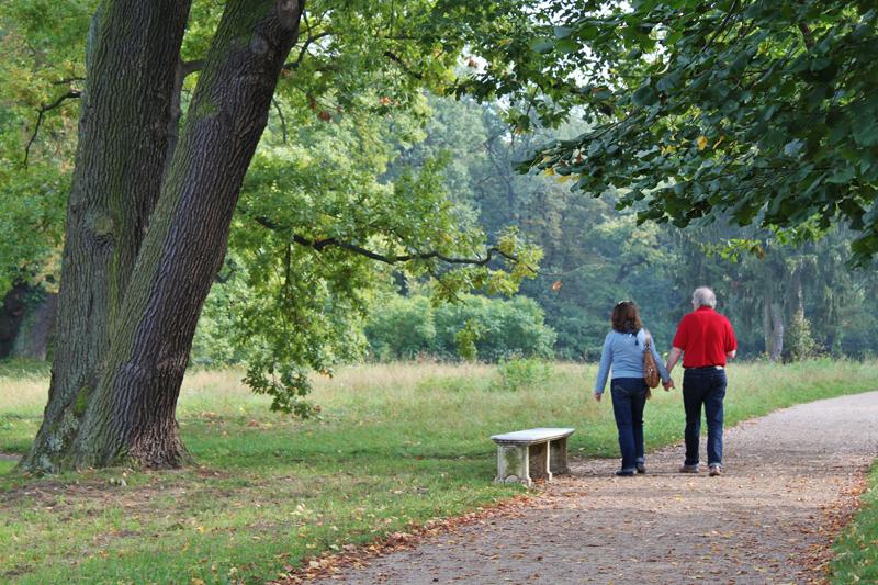 NHSOA-Heart-Health-walking-exercise